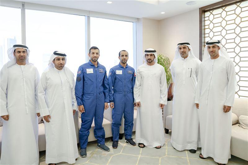 hh sheikh hamdan with uae astronauts